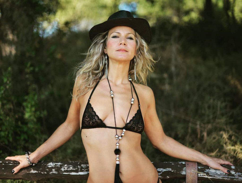 Into The Wood! #bikini #bikinicompetitor #bikinifitness #bikinimodel #bikinigirl #bikinilife #bikiniseason #bikiniready #sexybikini #bikinicompetition #bikinilovers #microminimus #weakedweasel #summer #summertime #sun #hot #sunny #warm #fun #beautiful #nature #clearsky #bluesky #vacationtime #weather #summerweather #sunshine #summertimeshine