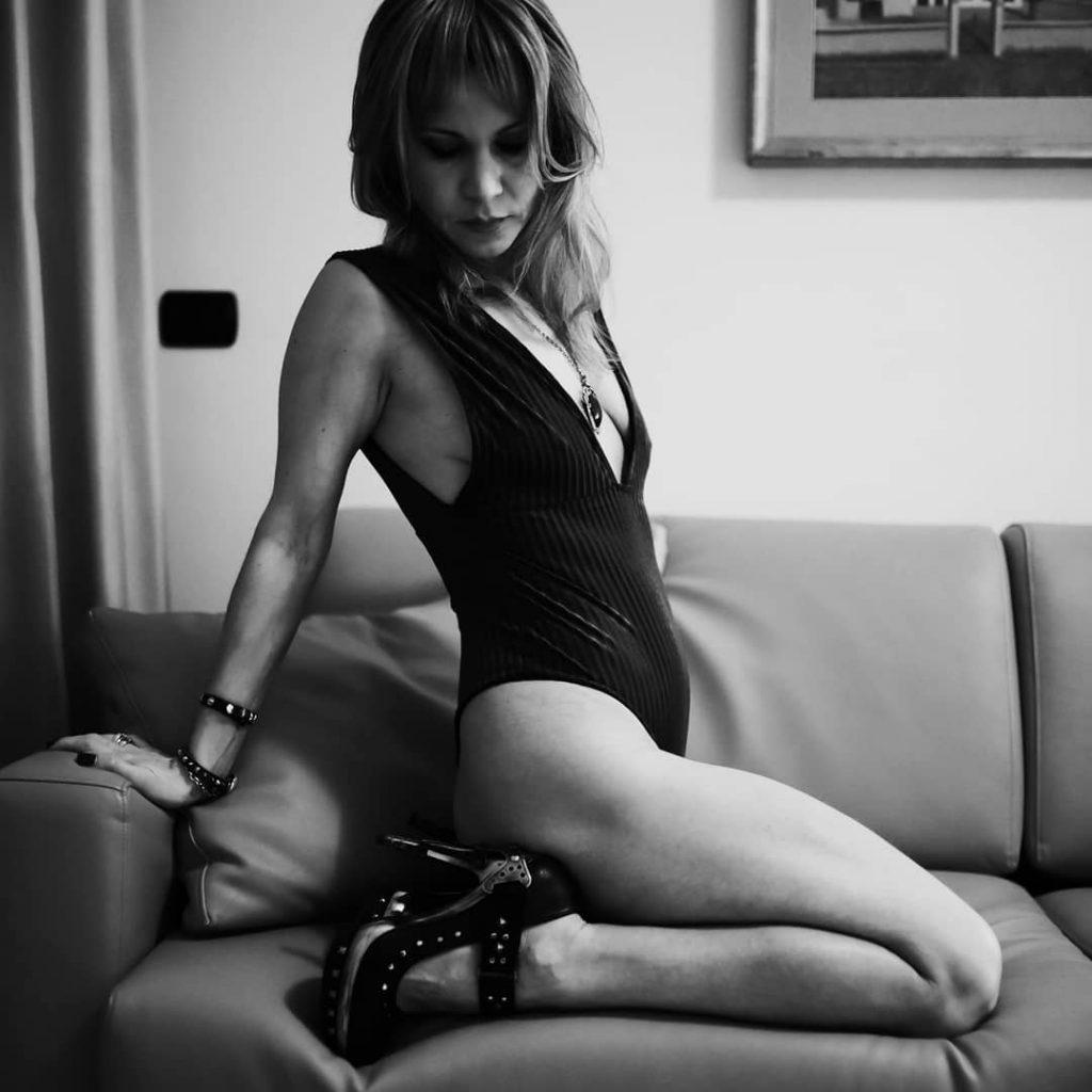 High Heels! #shoes #fashionshoes #shoesaddict #highheels #blackandwhite #bnw #monochrome #monoart #bnw_society #bw_lover #bw_photooftheday #photooftheday #bw #bw_society #bw_crew #bwwednesday #bwstyles_gf #irox_bw #bwstyleoftheday #monotone #monochromatic #noir #fineart_photobw