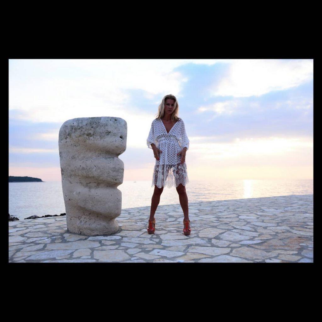 Valalta Sunset! (no post produced) #beach #sun #sunset #sunrise #nature #water #sea #sky #sand #reflection #amazing #beauty #beautiful #nature #horizon #gorgeous #warm #bikinigirl #bikini #microminimus #valalta #rovigno #rovinj #croazia #croatia #shoes #legs #sensual_ladies #sensual #sensuality #sensualità