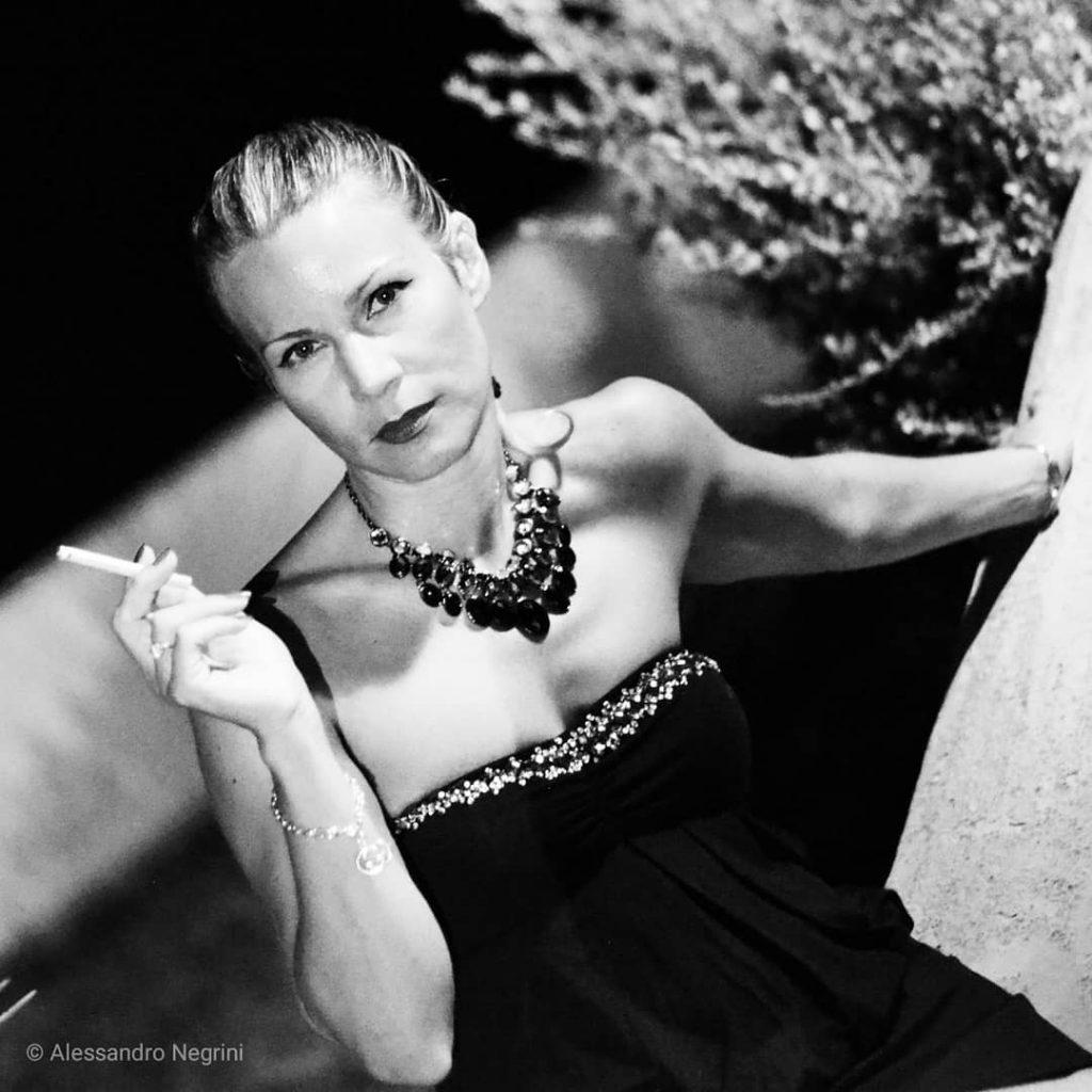 Smoking time! #photo #pic #picture #snapshot #art #beautiful #picoftheday #photooftheday #color #all_shots #exposure #composition #focus #capture #moment #blackandwhite #bnw #monochrome #monoart #bw #monotone #monochromatic #noir #fineart_photobw #smokingfetish #smokingwoman #smokinggirl #smoke #smoking