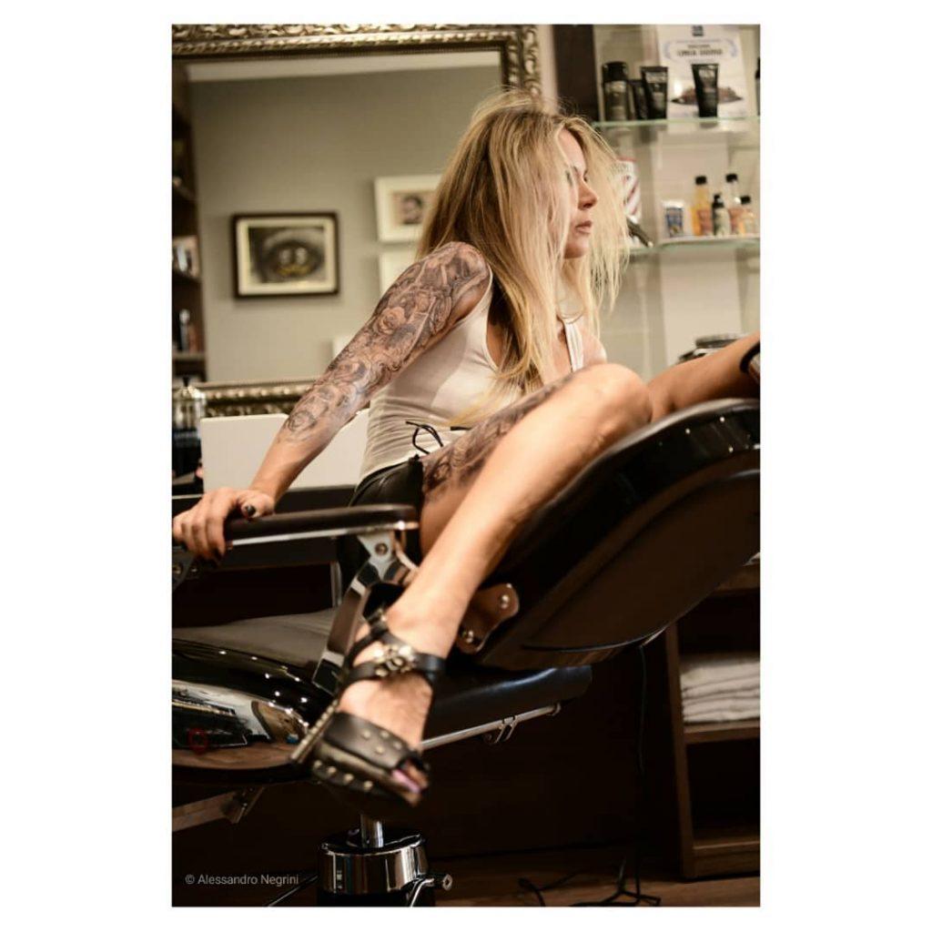 Hall Of Men! #hallofmen #tattoo #tattoos #girlswithtattoos #tattooed #tattooartist #tattooart #tattooedgirls #tattoolife #americancrew #americancrewitaly #barbershop #barber #shoes #shoesaddict #leather #leathercraft