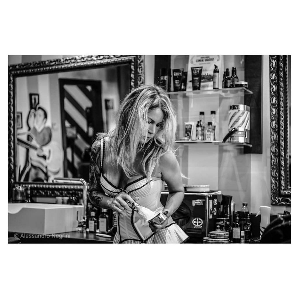 Hall Of Men! #hallofmen #tattoo #tattoos #girlswithtattoos #tattooart #tattooedgirls #tattoolife #americancrew #americancrewitaly #barbershop #barber #shoes #shoesaddict #leather #leathercraft #foam