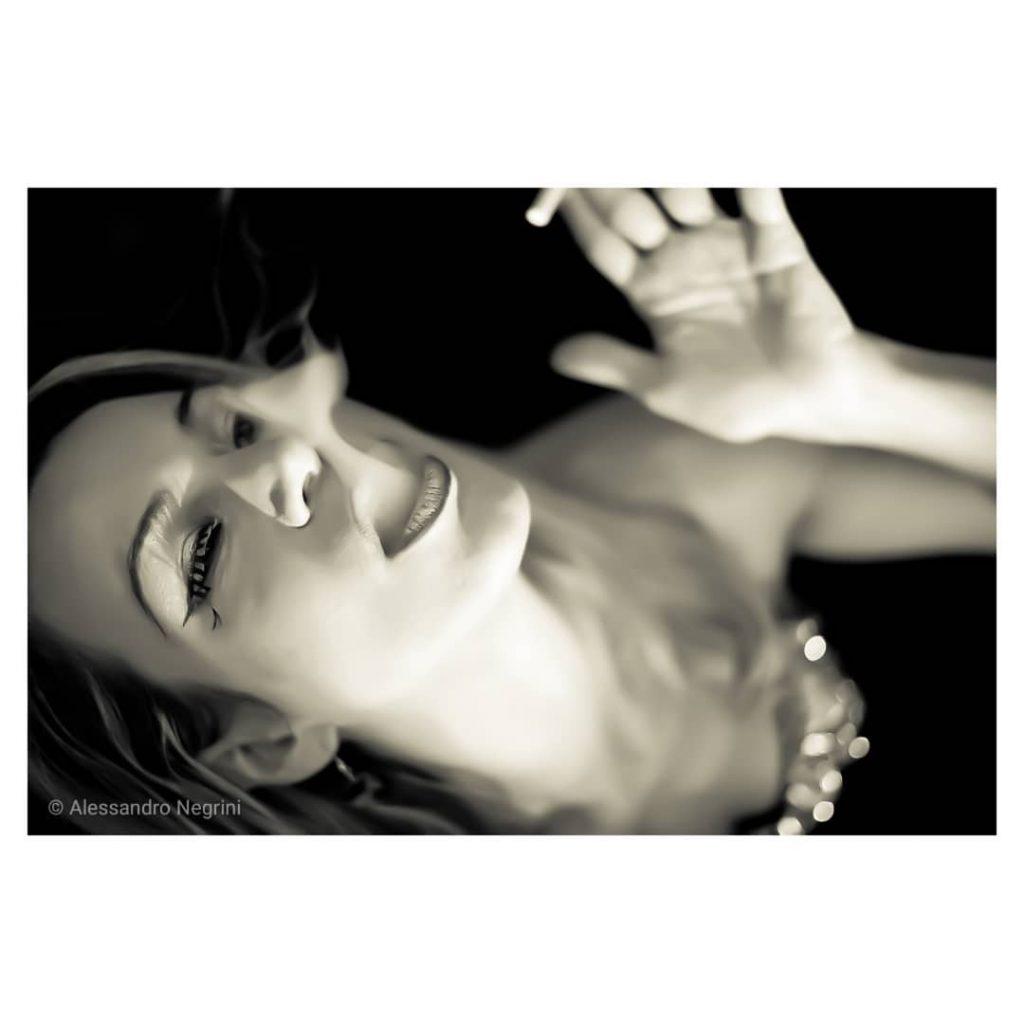 Smoking time! #blackandwhite #bnw #monochrome #monoart #bw #monotone #monochromatic #noir #fineart_photobw #smokingfetish #smokingwoman #smokinggirl #smoke #smoking #portrait
