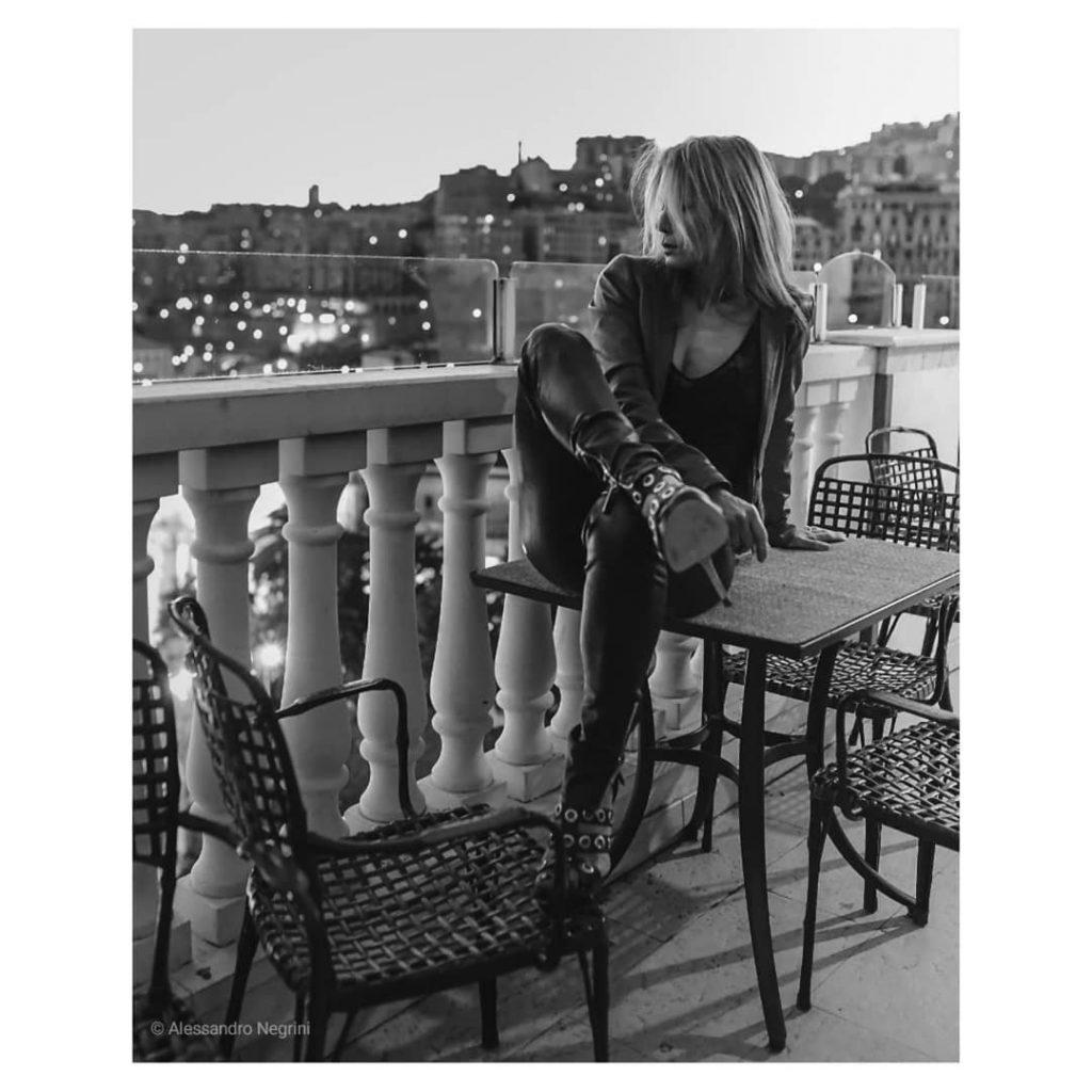 A day with @carpediemstudiolucap68 !#blackandwhite #bnw #monochrome #monoart #bw #monotone #monochromatic #noir #fineart_photobw #portrait #portraitphotography #portraitphotographer #portrait_shots #leatherpants #leatherjacket #leathershoes #leather #shoes #shoesaddict #shoeslover