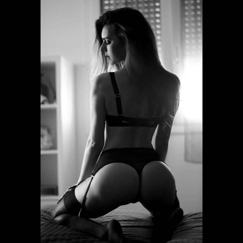 Inizio questa seconda metà dell'anno, pubblicando una foto della splendida @lucrezia_gardin Un ringraziamento speciale va a @dg_portrait_photographer per aver reso possibile questo attesissimo incontro.#playboy #playboy #blackandwhitepicture #blackandwhite #blackandwhiteportrait #blackandwhite #lingerie #lingerieaddict #lingeriemodel #topmodel