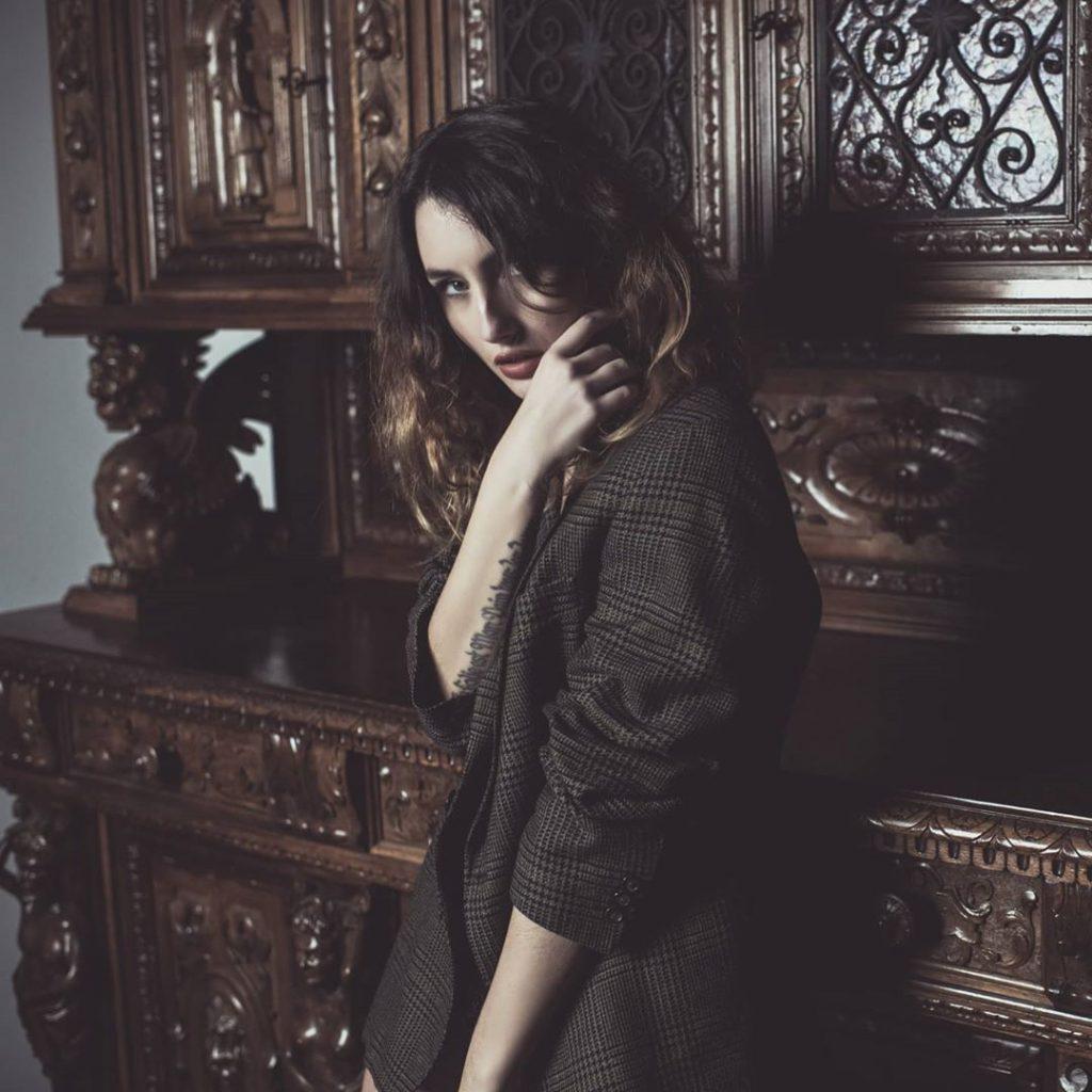 "@rajartist27 ""Portrait"" #VERONASHOOTINGWEEK #portraits #portrait #portraitphotography #portraitshots #portrait_mood #magazine #models #model #portraits_shots"