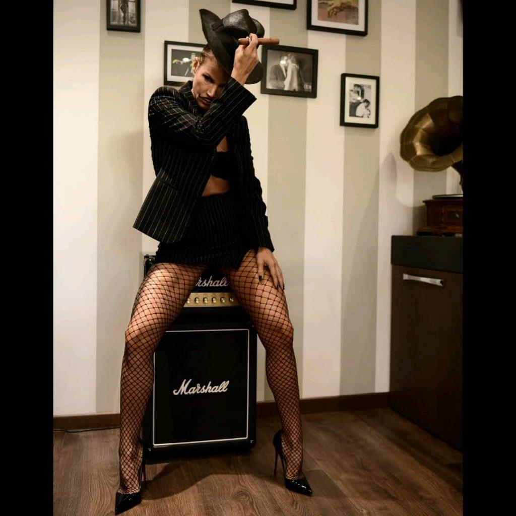 """Women who pretend to be men"" with @agathadevil  presso @hallofmen #stockings #stocking #highheels #shoes #shoesaddict #louboutin #louboutinshoes #legs #longlegs #highheelshoes #cigar #hat #marshallmusic #moustache #smoke #smokinggirl #smoking"