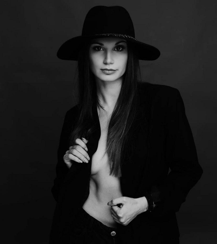 """@megialimm in """"Black Portrait"""" #portraits #portrait #portraitphotography #portraitshots #portrait_mood #bnwportrait #bnw #bnwphoto #hat #jacket #fashion #outfit #blackoutfit #blackandwhitepicture #blackandwhiteportrait #blackandwhite"""