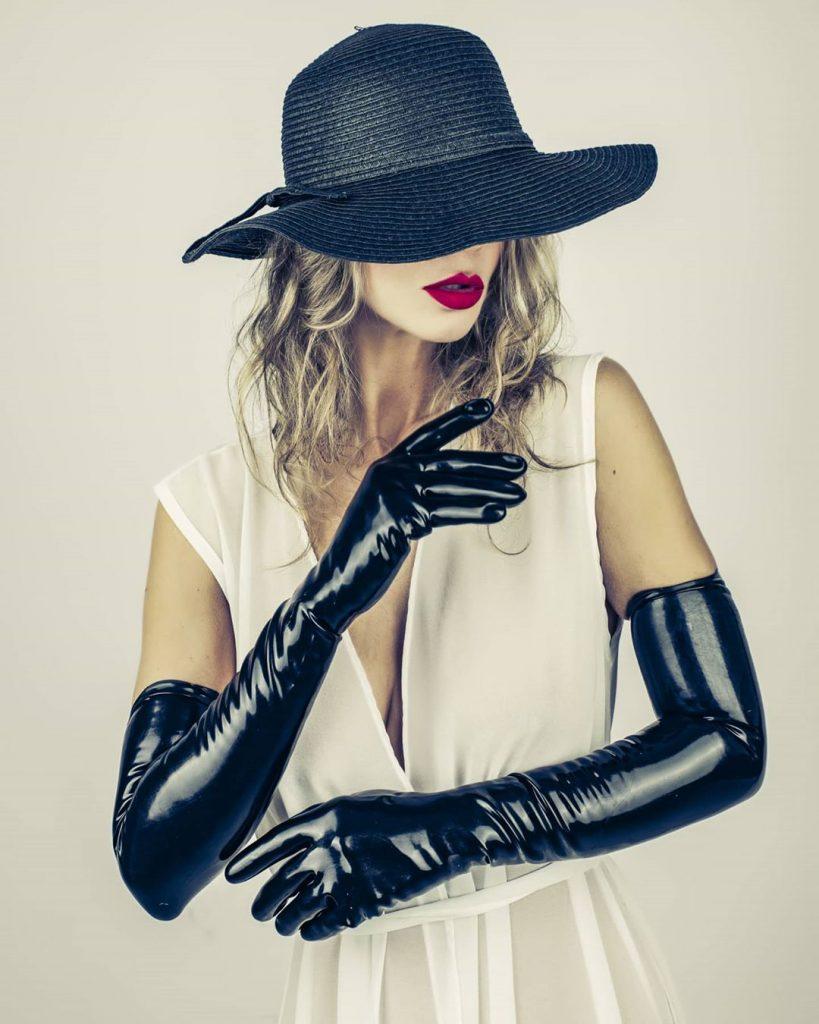 """Latex gloves for quarantine"" with @agathadevil #gloves #hat #portraits #portrait #portraits_shots #portrait_mood #portraitphotography #portraitphotographer"